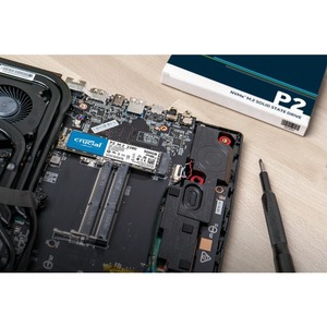 SSD Crucial P2 CT250P2SSD8 - M.2 2280 Interne - 250 Go - PCI Express NVMe (PCI Express NVMe 3.0 x4) - 2100 Mo/s Taux de tr