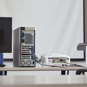 StarTech.com DP2VGA 7,62 cm DisplayPort/VGA Videokabel für Videogerät - 1 - HD-15 Buchse VGA - 20-polig DisplayPort Stecke
