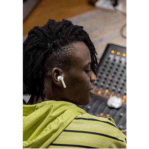 OnePlus Buds E501A True Wireless Ohrhörer Stereo Ohrhörerset - Weiß - Binaural - In-Ear - 20 Hz bis 20 kHz Frequenzgang -